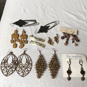 Lia Sophia daisy fuentes wood brown fall earrings
